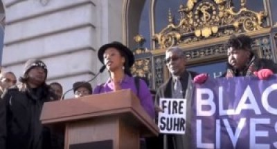 Hundreds rallied on the steps of City Hall on Christmas Eve, then trooped inside to Room 200 to demand that Mayor Ed Lee fire Chief Greg Suhr, but the mayor was reportedly absent. – Photo: Steve Zeltzer, Labor Video Project