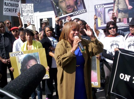 Mario Woods' mother, Gwen Woods, speaks at a rally outside the DA's office on Oct. 7, 2016. – Photo: Fundi