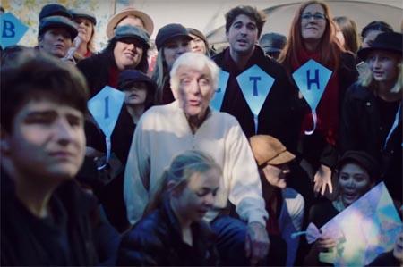 Dick Van Dyke gets flashmobbed on his 90th birthday.