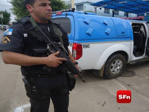 polícia militar arma 2