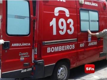 bombeiros ambulância cortada