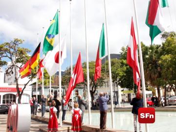Asteamento de bandeiras marcou o início da festa. Foto: Divulgação