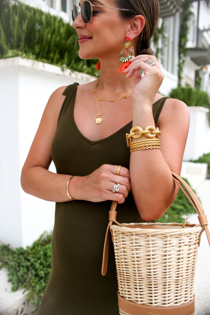 gold chainlink bracelet