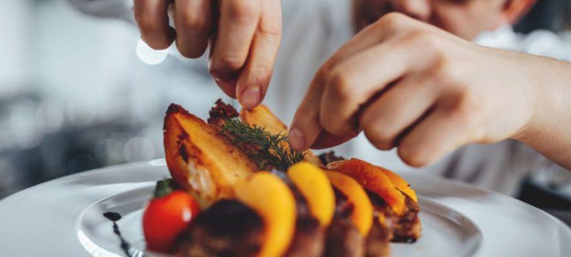 Chef De Partie: chi è e cosa fa il Cuoco Capo Partita