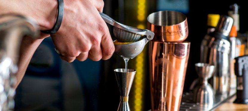 Tecniche di miscelazione di un cocktail
