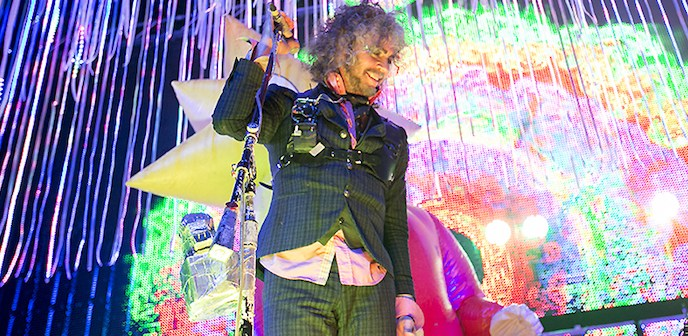 The Flaming Lips Flatter The Fox