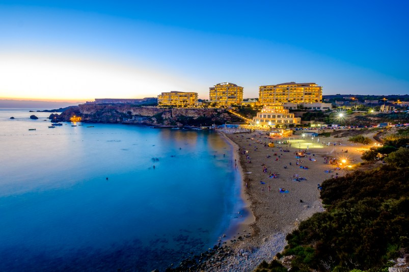 Golden Bay, Malta