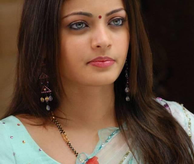 50 Indian Beautiful Girls Wallpapers