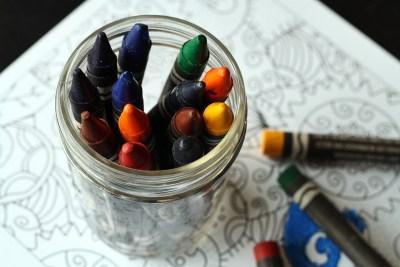 crayons-1445057_1920