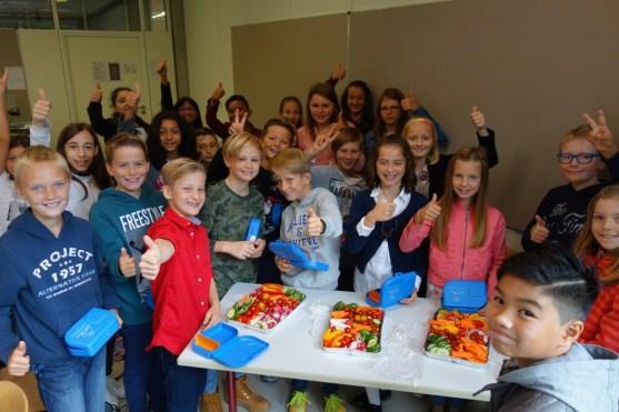 12.09.2017: In die neuen SG-Lunchboxen aus Zuckerrohr kommt unverpacktes Obst und Gemüse — lecker und gesund!