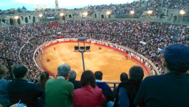 Seit 1.900 Jahren immer jede Menge los: die Arena von Nîmes, Südfrankreich