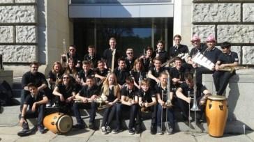 2015: Preisgekrönte Musiker vor dem Berliner Reichstag