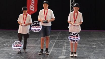 """06.06.2018: Das SG-Team fliegt """"Droneballs"""" auf der CeBit in Hannover"""