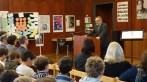 20.11.2018: Prof. Ulrich Holzbaur von der Hochschule Aalen beglückwünscht die Schülerinnen und Schüler des SG
