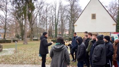 13.12.2018: Die Abiturienten besuchen mit dem evangelischen und einem katholischen Religionskurs eine der ältesten Kirchen Württembergs