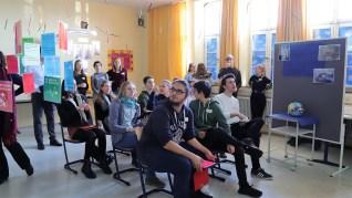 """06.02.2019: """"Vorsicht beim Abflug!"""" Besucher erleben ein nachhaltig fliegendes Klassenzimmer beim Festakt Geopark-Schule"""