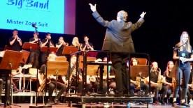 """29.05.2019: Applaus für die Big Band und Solistin Julia Brooks für """"Mister Zoot Suit"""""""