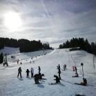 16.02.2020: Die Klassen 7 bei herrlichem Schnee im Skischullandheim