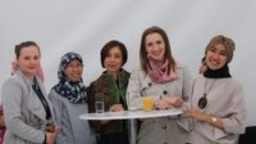Kebersamaan warga antar agama dalam menyambut bulan Ramadan di Warsawa.