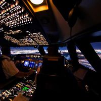 Mengintip Keindahan Semesta dari Kokpit Pesawat