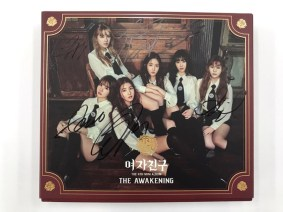 Official Autographed GFRIEND Mini Album Vol.4 – THE AWAKENING (Knight Version)