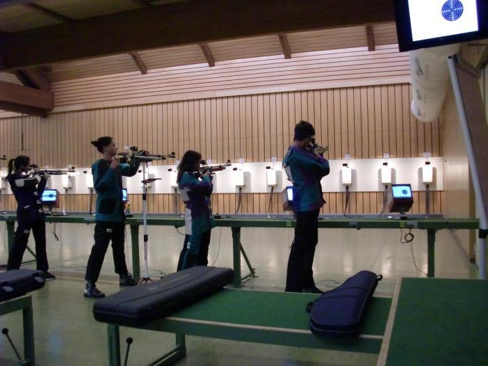 Unsere Jugend auf der Olympia-Schießanlage in München