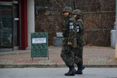 Confine tra Nord e Sud Corea: militari al Dora Observatory