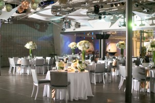 7 Degrees is equipped with state-of-the-art technology so you can customize and get really creative with lighting and slideshows