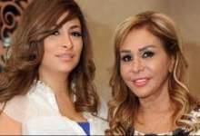 Photo of ديما بياعة ووالدتها مها المصري تقضيان الحجر المنزلي في المطبخ.. بالصور