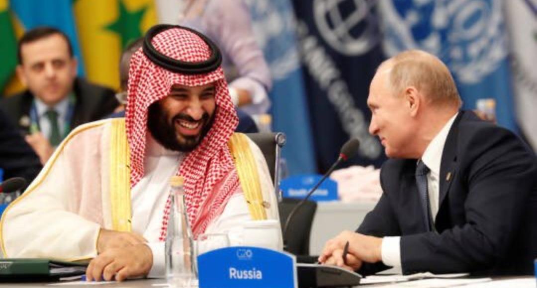 بوتين يبحث مع الأمير محمد بن سلمان تعزيز التعاون بشأن تخفيضات إنتاج النفط