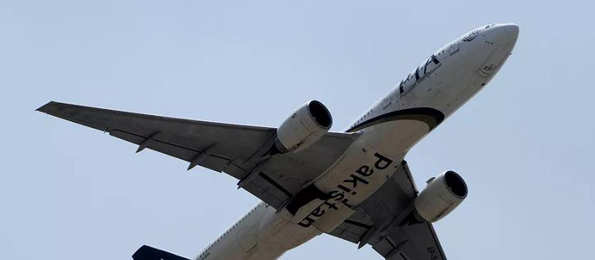 تحطم طائرة تابعة للخطوط الباكستانية بالقرب من مطار كراتشي الدولي