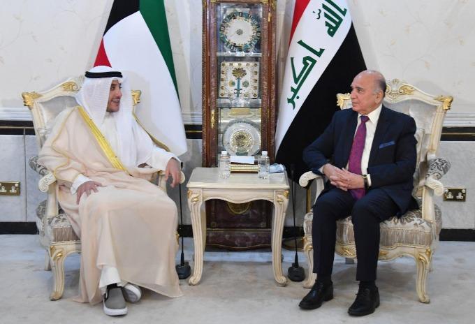 وزير الخارجيّة العراقي يؤكّد حرص بغداد على تطوير التعاون المُشترَك مع الكويت