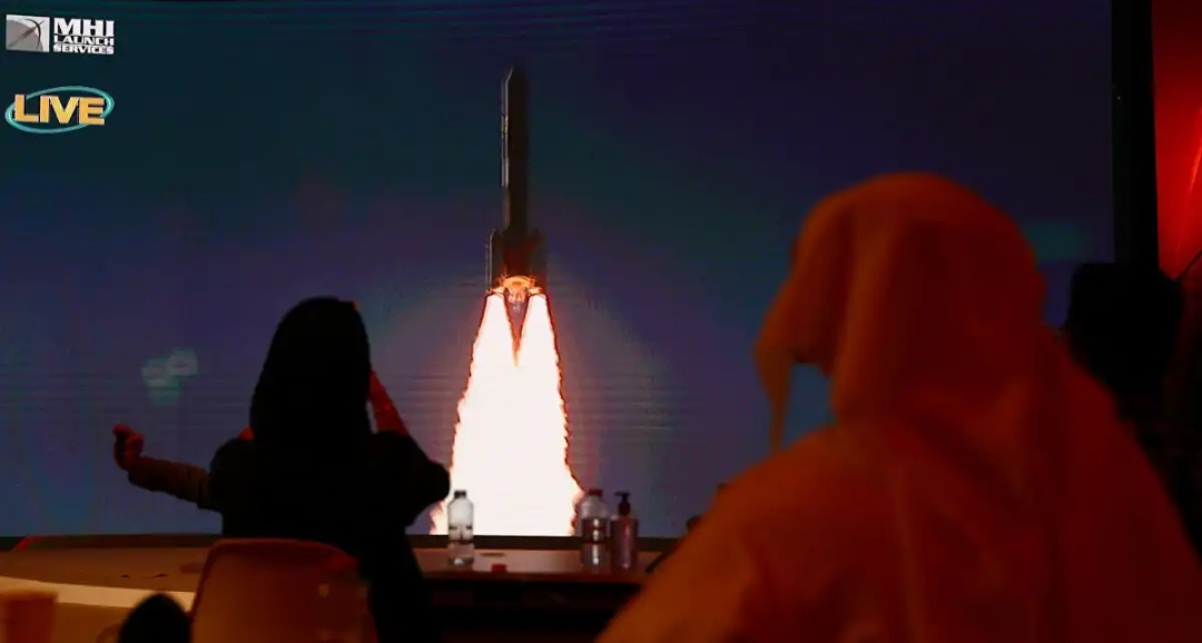 """إطلاق """"مسبار الأمل"""" أول مشروع عربي لاستكشاف المريخ"""