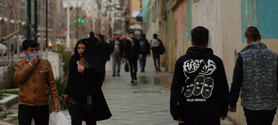 اعتقال إيرانية بتهمة ركوب الدراجة دون حجاب..