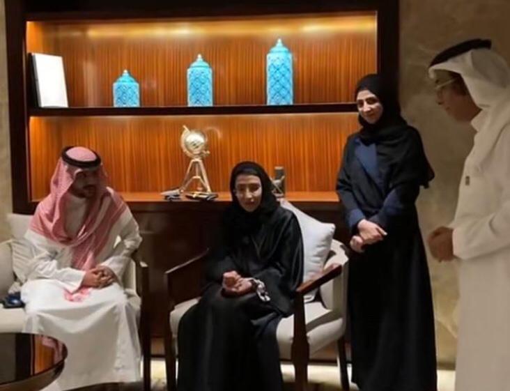 """في أول ظهور إعلامي: صاحبة السمو الملكي الأميرة دينا بنت سعود آل سعود تصرح عن موعد مبادرة """"أنتم تاج رؤوسنا"""""""