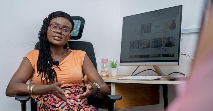 """صحافية نيجيرية تفوز بجائزة """"دوتشيه فيليه"""" لحرية التعبير"""