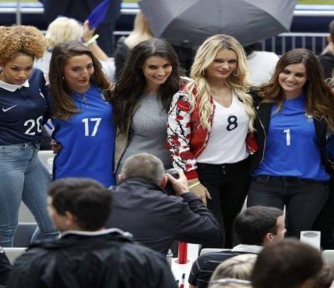 مشاجرة بين عائلات لاعبي منتخب فرنسا على المدرجات في لقاء سويسرا .