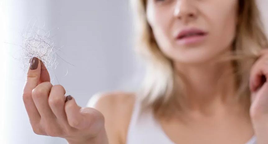 أخطاء شائعة تؤدي إلى تقصف أطراف الشعر