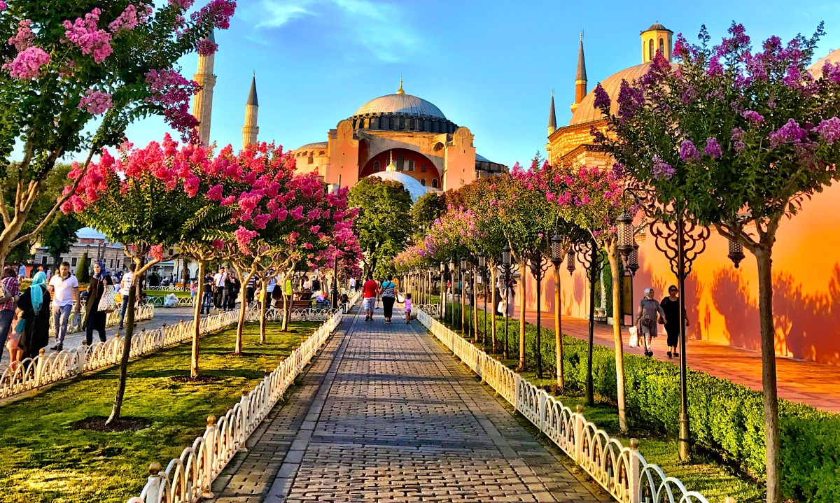 Layover in Istanbul: A 6 Hour City Tour of the European Side
