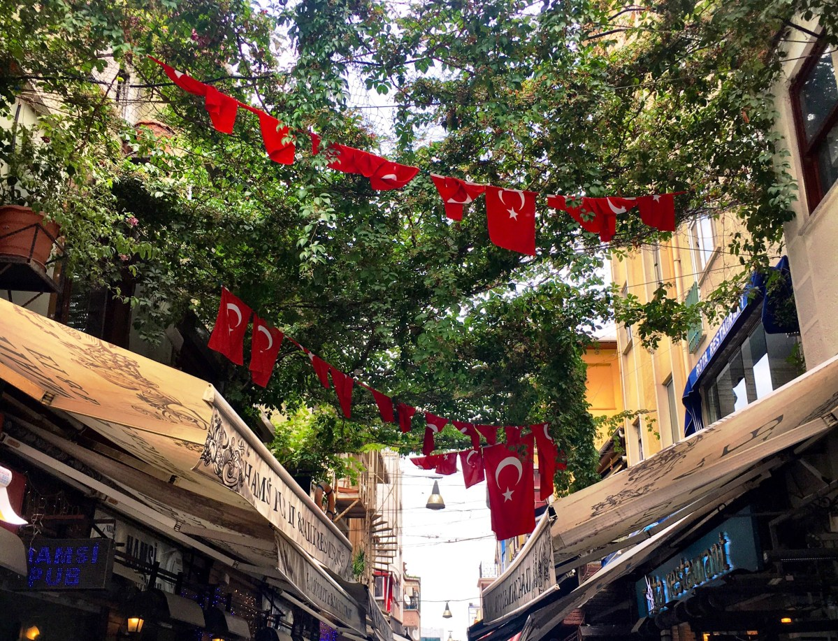 Layover in Istanbul: Exploring The Asian Side Like A Local