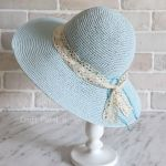 Cappellini estivi all'uncinetto con schema in stile Shabby