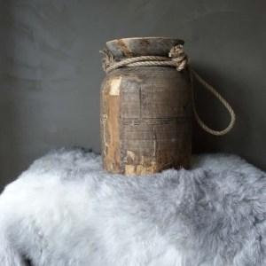 Shabbys - Stoer in wonen -Stoere Himachal pot/kruik Met stoer touw, hoogte 32 cm (XL)