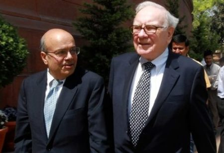 Warren Buffett Ajit Jain Berkshire Hathaway Gen Re