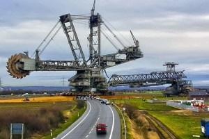 World's biggest vehicle Bagger 288