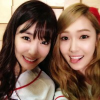SNSD's Jessica sweetly greets Tiffany a Happy Birthday