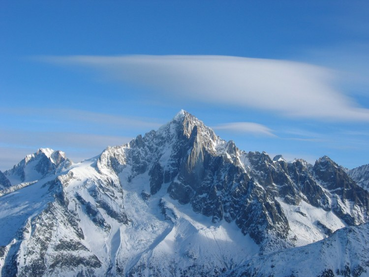 Aiguille_Verte_ateabutnoe from wiki