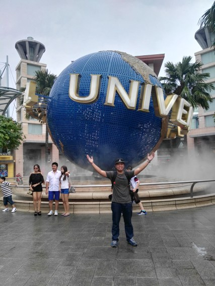 Universal Singapore_Solo backpacker