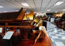 Even grand pianos