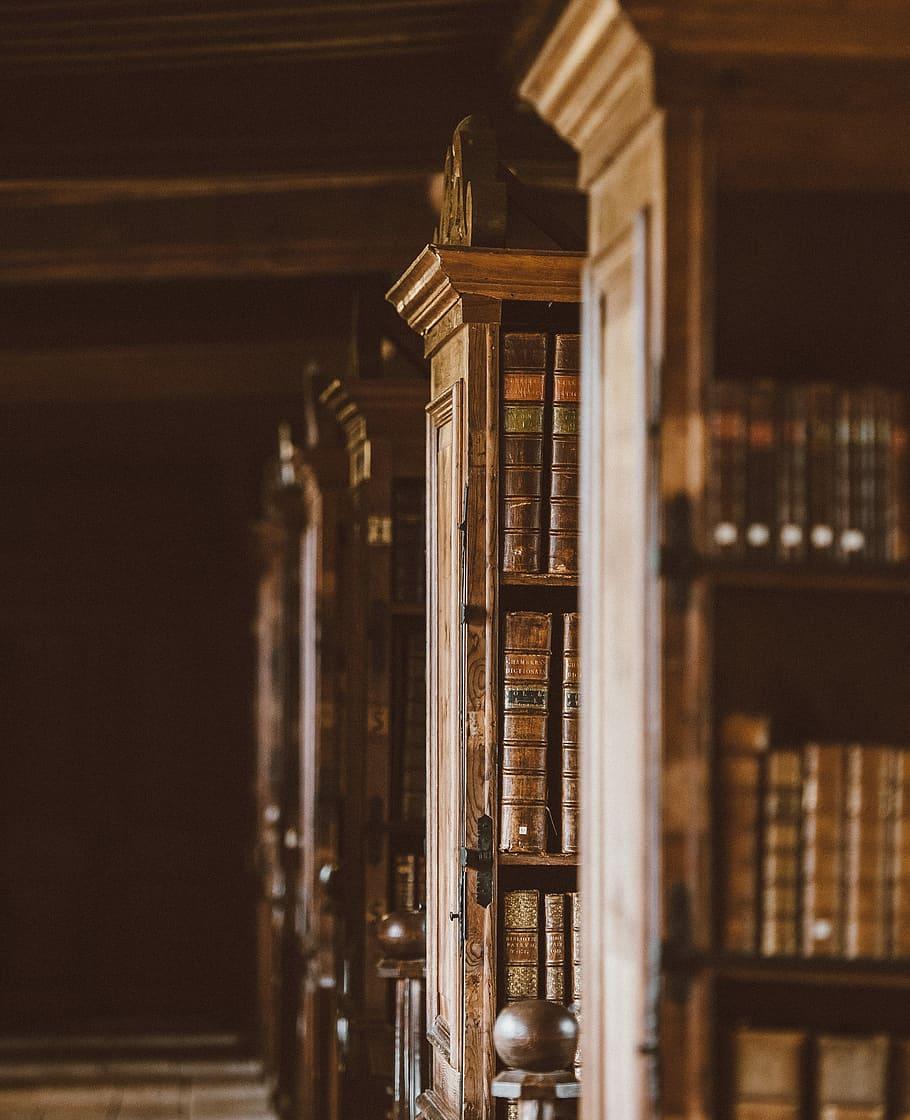 library-books-old-shelves