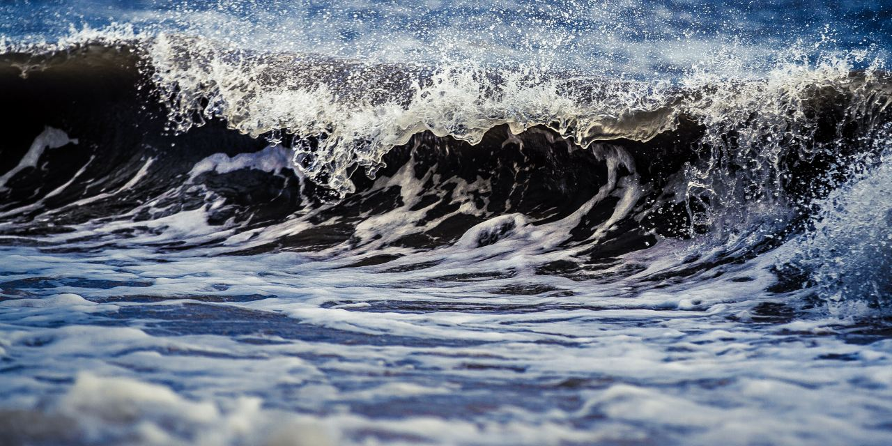 When Your Eyes Are On The Waves; 7 Ways to Refocus on Jesus